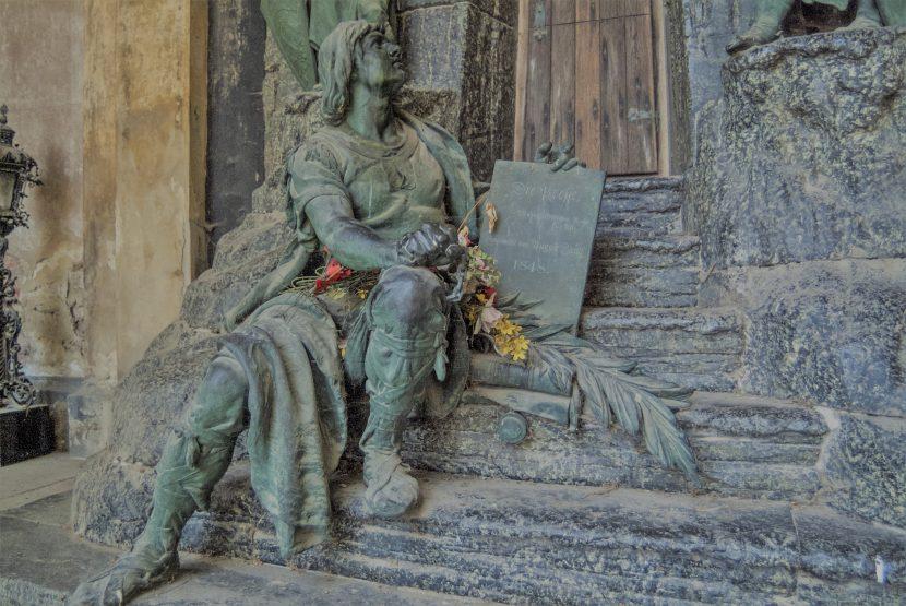 Zentralfriedhof Wien Tanz Mit Dem Tod Heroldat
