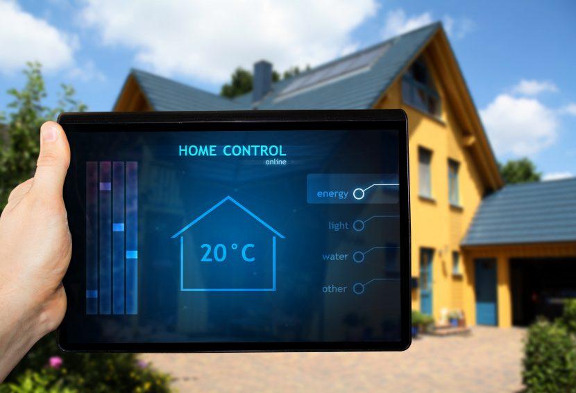 Smart Home Heizungssteuerung am Tablet