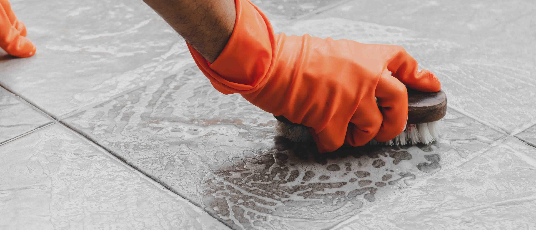 Fliesen Reinigen 6 Tipps Zur Reinigung Und Pflege Herold At