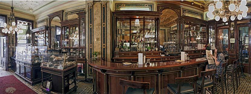 Innenansicht des Cafés Demel in Wien. barrierefreie Lokale Wien