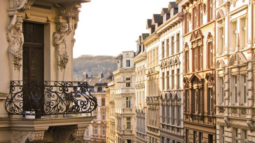 Klassische Hausfassaden am Altbau