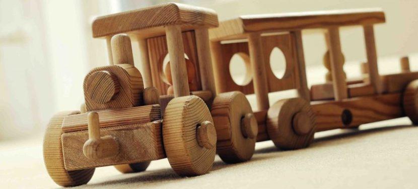 Holzspielzeug Lokomotive