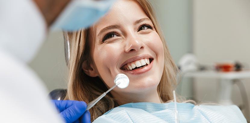 Behandlung und Therapie von Zahn Schmerzen beim Zahnarzt