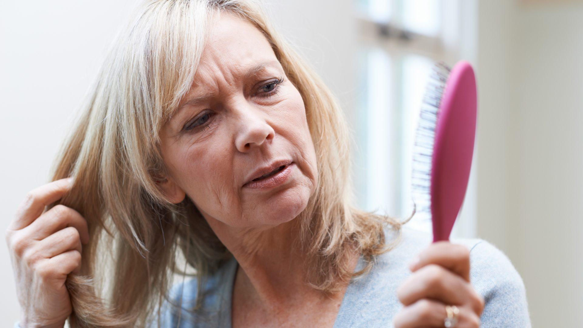 Haarausfall Frauen Ursachen
