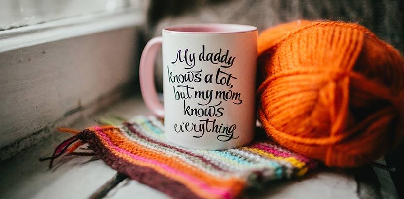 Muttertagsgeschenke: handbemalte Tasse zum Muttertag