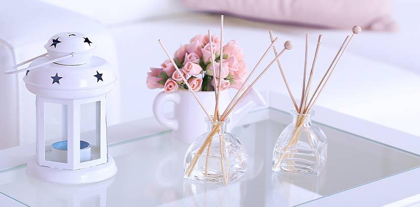 Raumerfrischer mit Stäbchen im Glas als Geschenk zum Muttertag