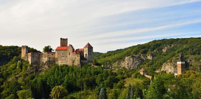 Burg Hardegg zu sehen von Wanderungen durch Niederösterreich