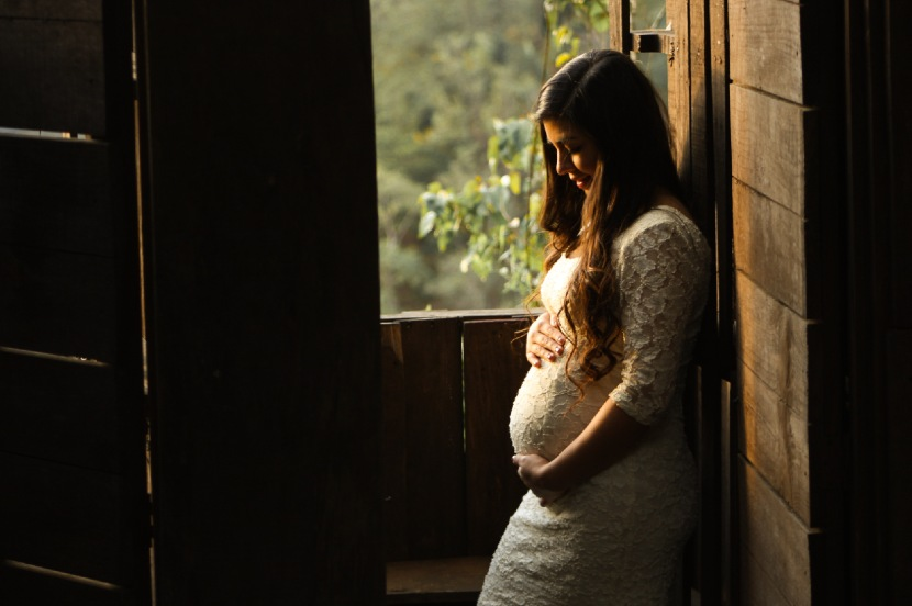 hübsche schwangere Frau