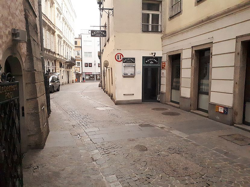 Eingang zum Wirtshaus Keintzel in Linz