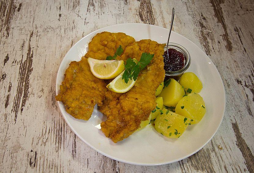 Wiener Schnitzel im Restaurant Stadtliebe in Linz