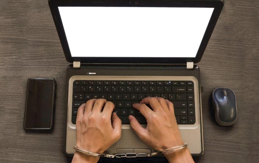 Cybermobbing, Cyber Mobbing ist strafbar