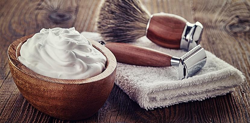 Ein hochwertiges Set für die Rasur. Außergewöhnliche Geschenke.