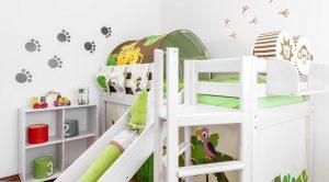 Kinderzimmer mit weißem Hochbett einrichten