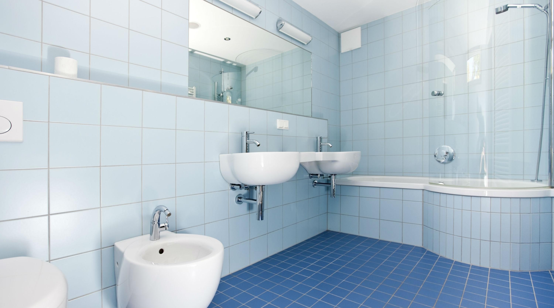 Badezimmer Fliesen: Informationen und Tipps - HEROLD.at