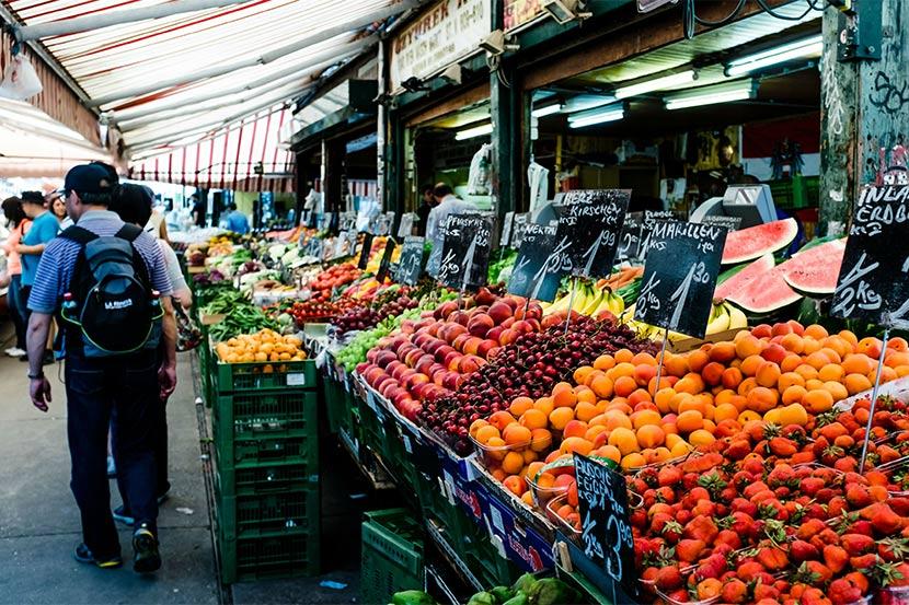 Am Naschmarkt kannst du Wien gratis erleben.