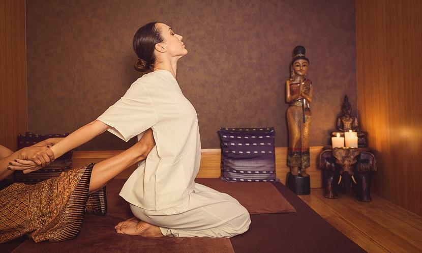 traidtionelle Thai Massage Frau