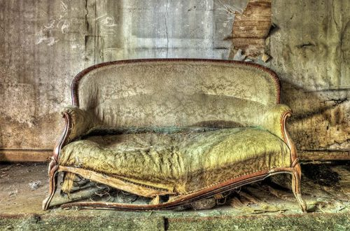 Sperrmüll Wien - altes Sofa