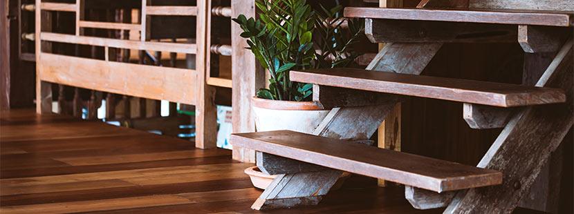 Holmtreppe aus Holz