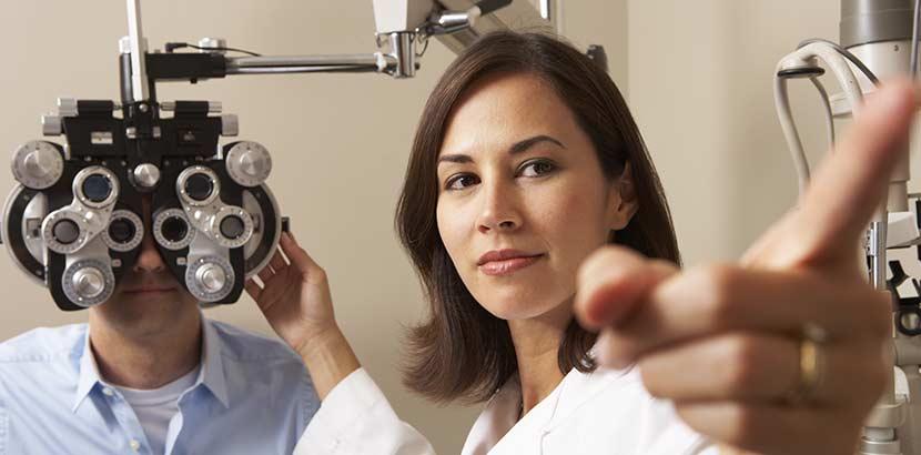 Kurzsichtigkeit diagnostizieren mit einem Sehtest