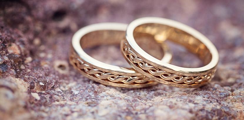 Trauringe Trends 2019: filigrane Fantasy Eheringe in Gold