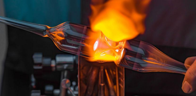 Glaserei Linz: Ein Glas wird geschmolzen