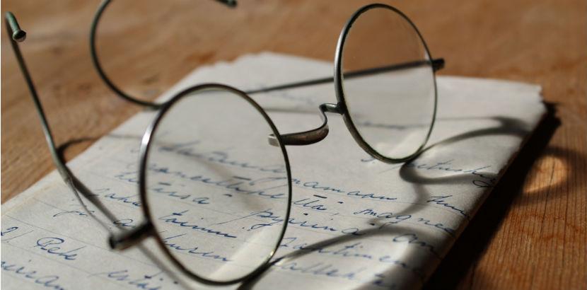Optiker Wien: Eine altmodische Brille.