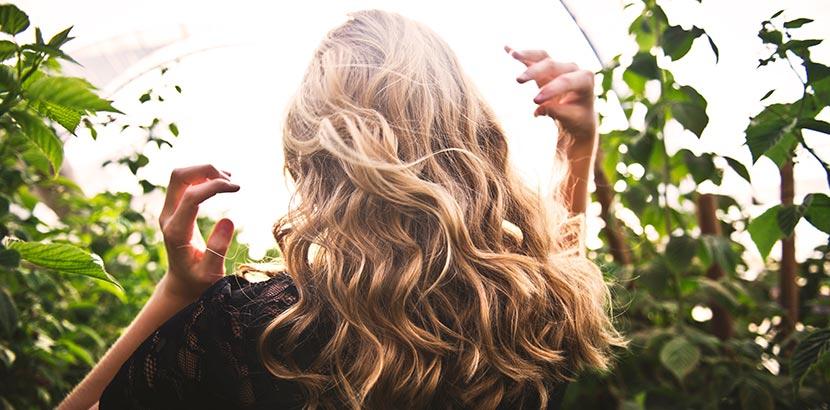 schöne, blonde Haare
