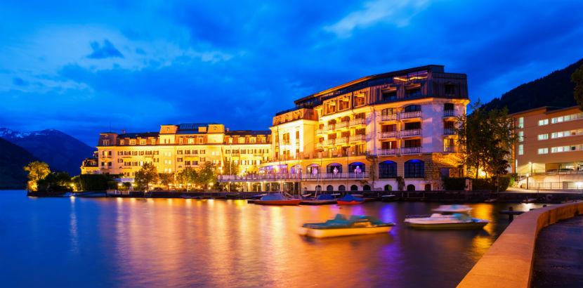 Grand Hotel Zell am See bei Nacht