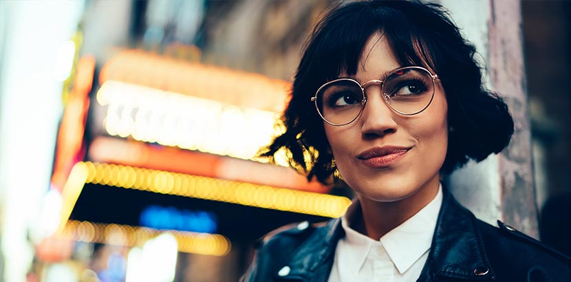 Fashion Trends 2021: Auffällige, extravagante und modische Brillen.