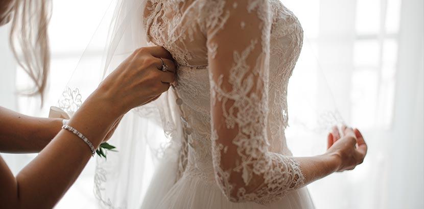 Hochzeitsplanung: Braut in Brautkleid