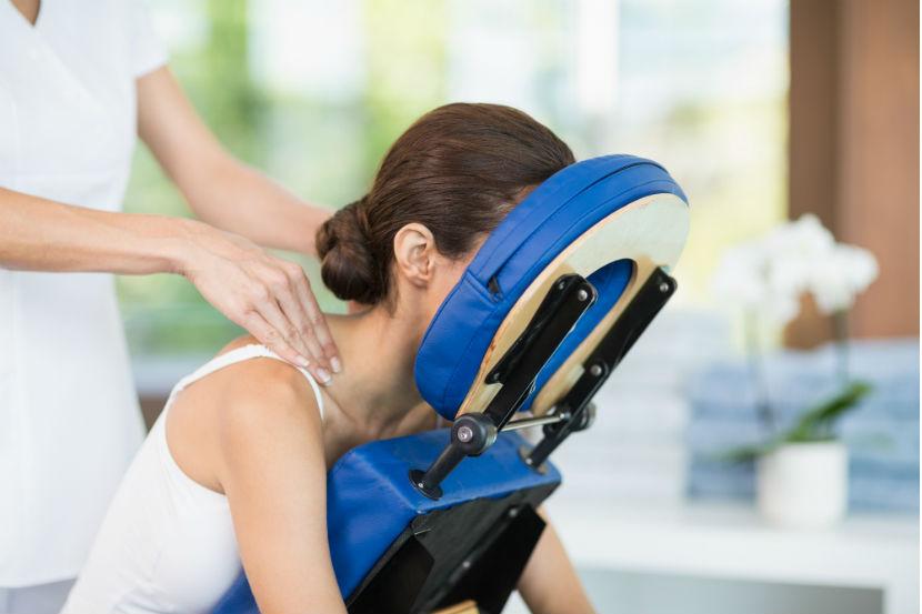Massage Graz: eine Frau wird massiert