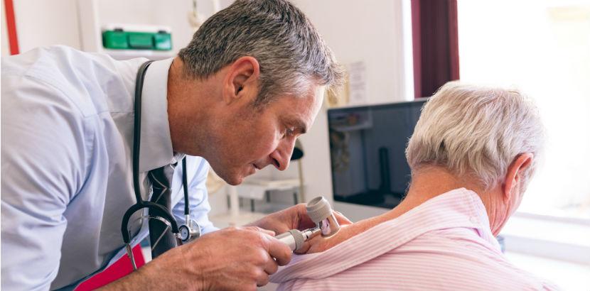 Hautarzt Salzburg: eine dermatologische Untersuchung