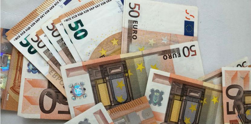 Steuerberatung Salzburg: 50 Euro Geldscheine