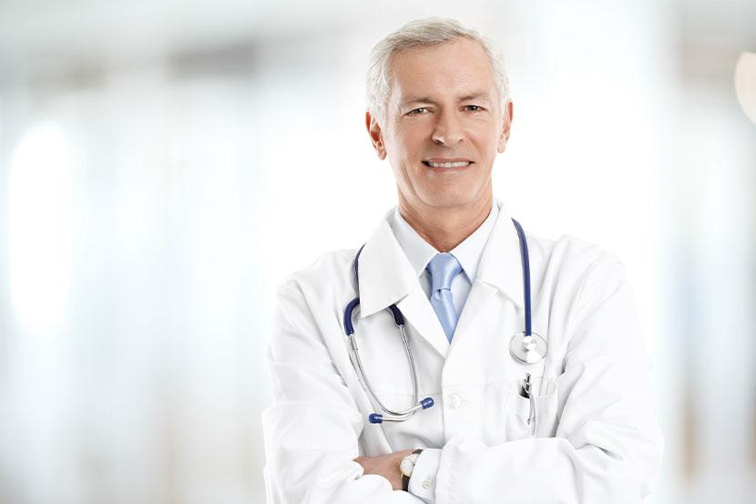 Gastroenterologe in Graz mit weißem Kittel