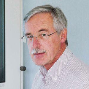 DR. HELMUT LIERTZER
