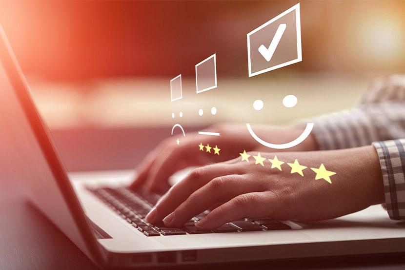 Kunde bewertet Unternehmen auf Plattform mit 5 Sternen.
