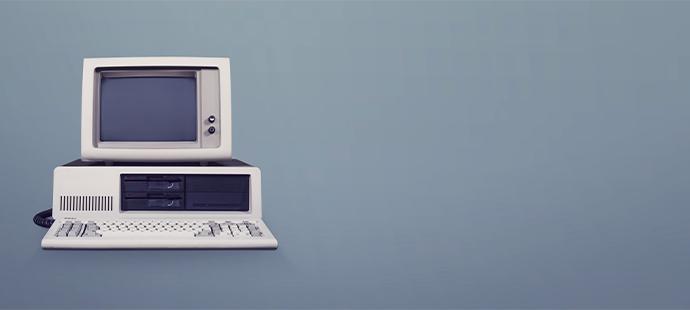 EIn alter Stand-PC aus den 1980er Jahren: Online Marketing KMU Österreich