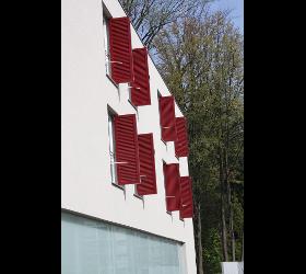 Fensterläden in Holz und Aluminium