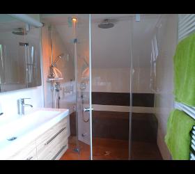 Badezimmer BASSENA - Strele Installationen Installateur