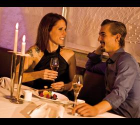 Abendrestaurant und Candle Light Dinner