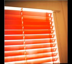 Dachfensterjalousien Dachfensterplissees Dachfensterrollos Dachlamellen Dachmarkisen