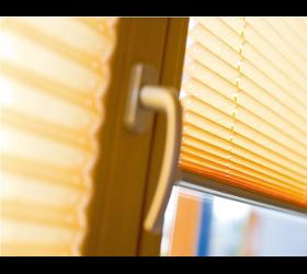 Faltenstore Faltjalousien Faltschiebeladen Kosmos Faltstore Sonnenschutzanlagen Gastromarkisen