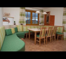 Essenszimmer Ecksitzbänke Eckgruppen Echtholztische Massivholzmöbel