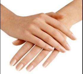 Handpflege für junge Haut