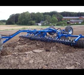 Dal-Bo Walzen und Bodenbearbeitung
