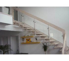 Hatzl Treppen - Aufgehängte Holztreppe