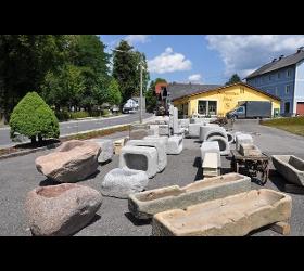 Brunnen und Tröge aus Granit und Sandstein