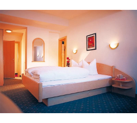 Doppelzimmer - Piz Buin - Halbpension - Hotel Zontaja